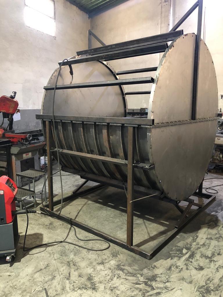 Molde para rotomoldagem em fase intermédiade produção